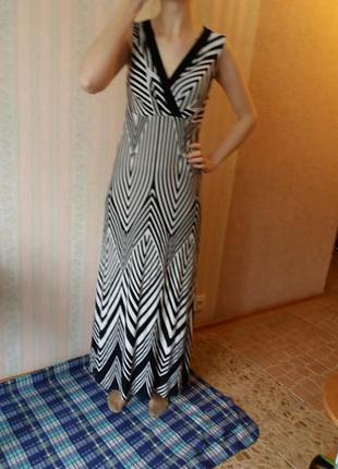 Красивое длинное платье графика графика