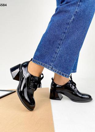Код 5584 туфли лаковые kleo с красным расклешенным каблуком