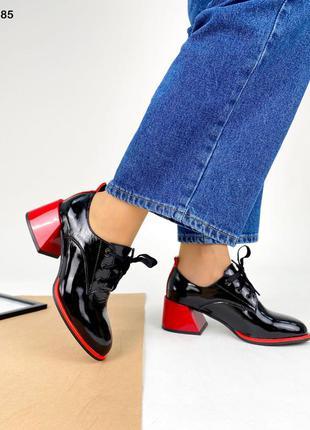 Код 5585 туфли лаковые kleo с красным расклешенным каблуком