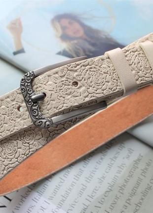 Женский кожаный ремень с цветочным узором