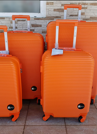 Польша! чемодан,валіза ,надёжный , качественный, хорошие колеса,кодовый замок