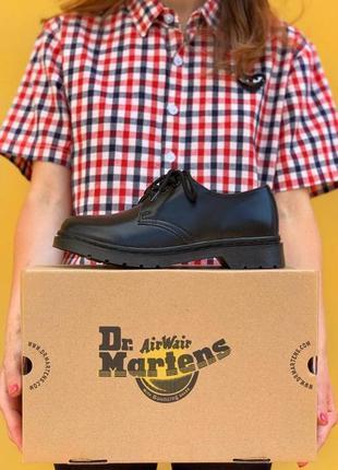 Жіночі чорні шкіряні туфлі dr martens 1461 mono black демісезонні