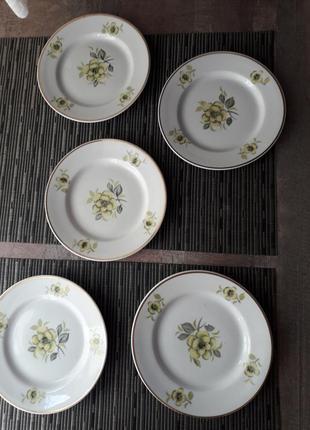 Набор советских тарелок с цветочком