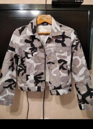Легкая курточка принт милитари