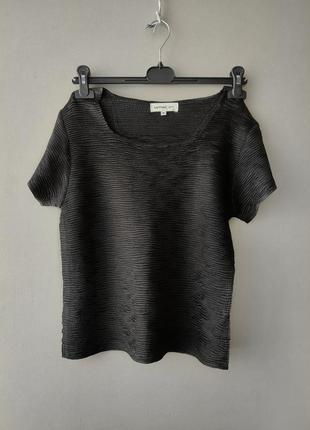 Фактурный топ  футболка в стиле issey miyake