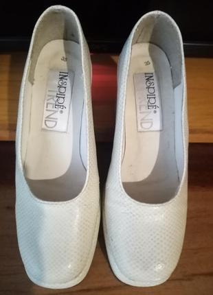 Кожані туфлі на маленьку ніжку!