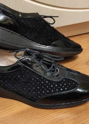 Женские закрытые туфли на шнурках р.38-25см