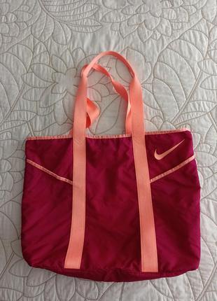 Спортивная сумка женская nike
