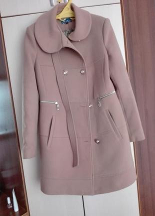 Якісне нове кашемірове пальто
