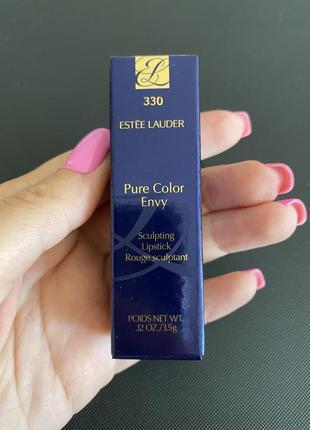 Помада estee lauder pure color envy sculpting lipstic
