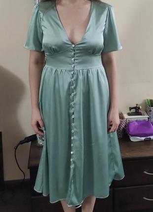 Шелковое платье на петлях