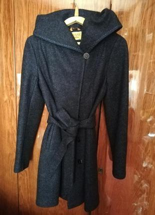 Осеннее пальто с капюшоном 44-46 р