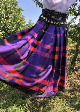 Платье фиолетовое в клетку праздничное нарядное с пышной юбкой