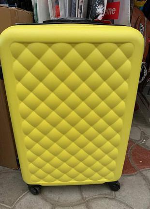 Дорожный чемодан словакия