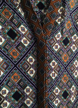Стильное платье халат с поясом в необычный геометрический принт papaya