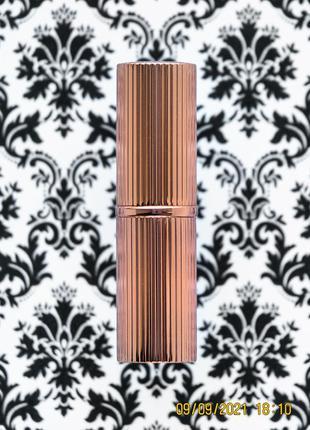 Люкс! матовая помада для губ charlotte tilbury matte revolution lipstick walk of no shame 1.5 г