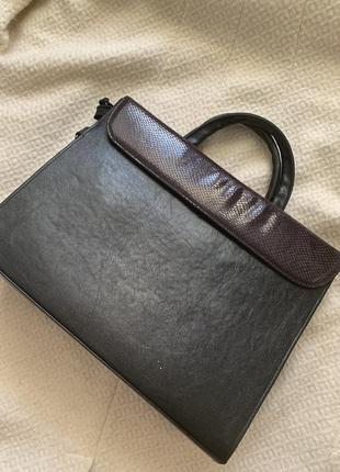 Вместительная сумка а4