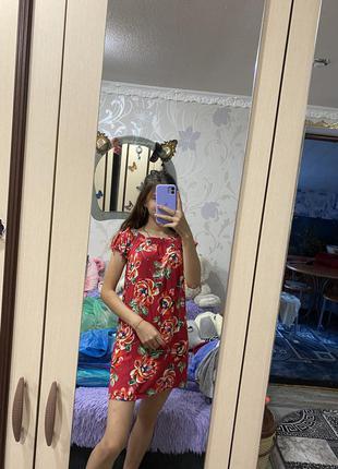 Очень легкое летнее платье в цветочный принт