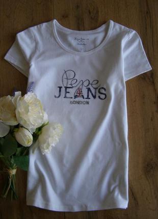 Pepe jeans футболка хлопок s-размер  отличное состояние  качество+++  длина-57 плечи-32 пог-41 до 46