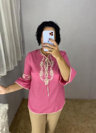 Новая красивая блуза с вышивкой