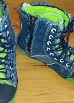 Демисезонные ботинки кеды джинсовые
