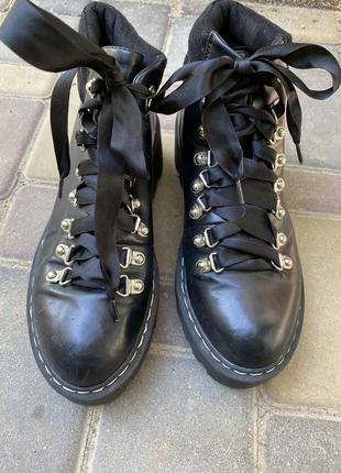 Lamoda англия демисезонные ботинки осенние ленты