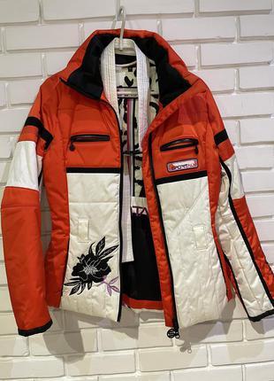 Зимняя лыжная куртка