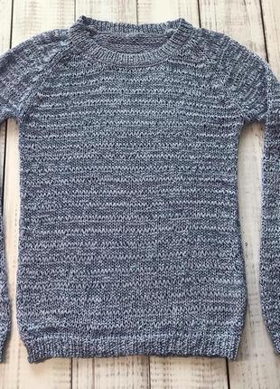 Ніжно-блакитний светр в крупну в'язку