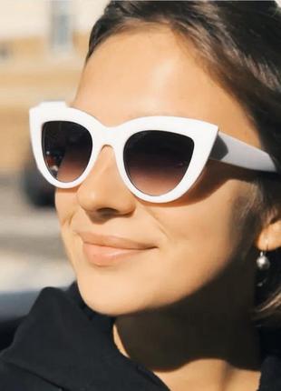 Крутые солнцезащитные очки кошечки белые лисички ретро новые окуляри сонцезахисні білі лисички кішечки