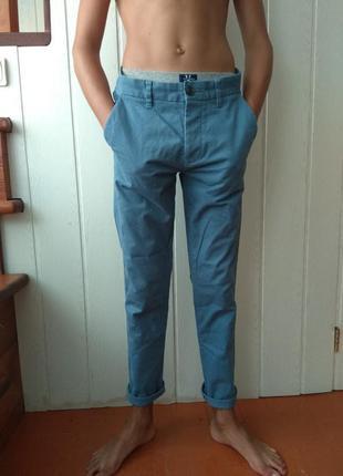 Повседневные брюки мужские голубые классика next