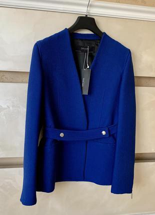 Блейзер пиджак zara на запах синий под пояс осенний яркий в рубчик