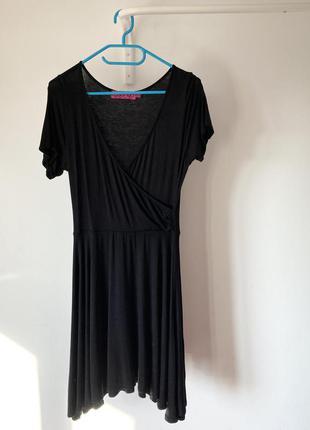 Легка трикотажна чорна сукня