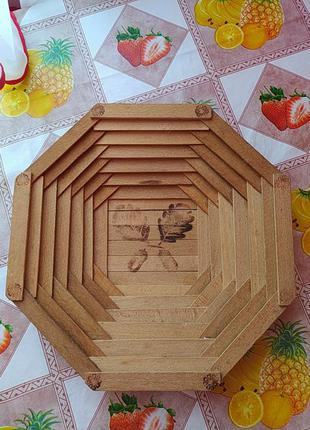 Дерев'яна тарілка для фруктів