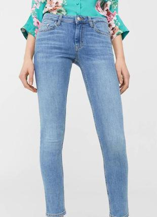 Базовые джинсы скинни mango olivia голубого цвета 24