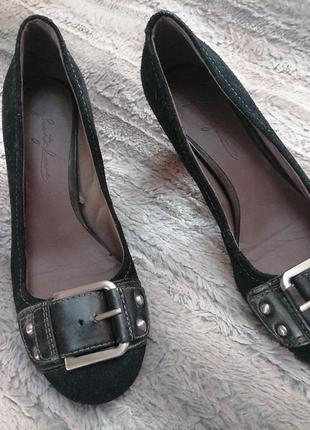 Стильные женские туфли на устойчивом каблуке
