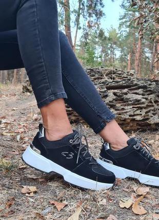 Замшевые кроссовки skechers, оригинал, 8 и 9 размеры.