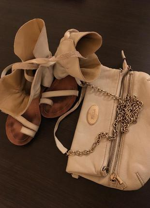 Кожаные босоножки гладиаторы и клатч