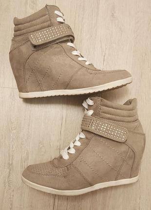 Сникерсы ботинки весенние кроссовки хайтопы 37 р