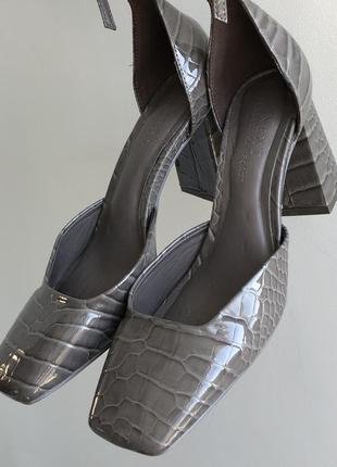 Стильные туфли next