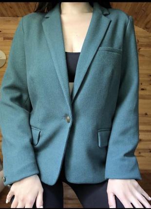 Изумрудный пиджак зелёный жакет