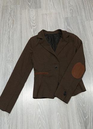 Укороченный пиджак укороченный жакет