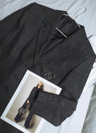 Теплый пиджак оверсайз с шерстью