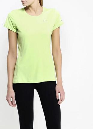 Спортивная футболка для фитнеса nike