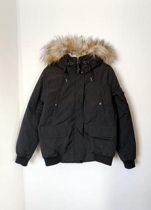 Очень тёплая спорт куртка с манжетами.