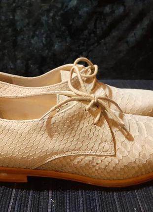 Туфли на шнурках лоферы  италия