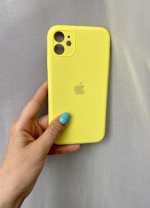Чехол на айфон 11 желтый