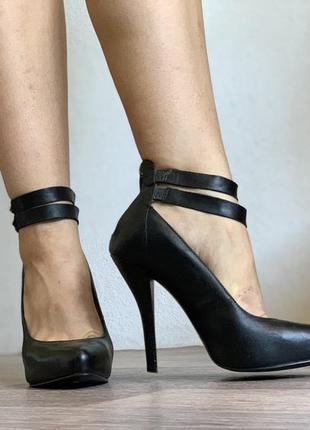 Шикарные кожаные туфли на шпильке на каблуке