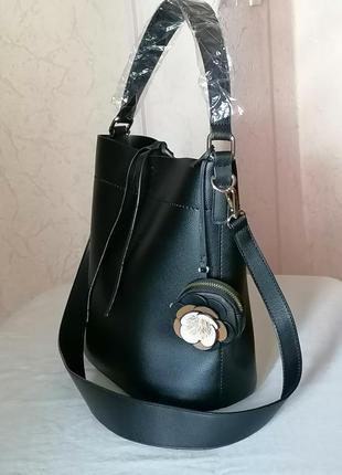 Новая стильная сумка в руках или на плечо