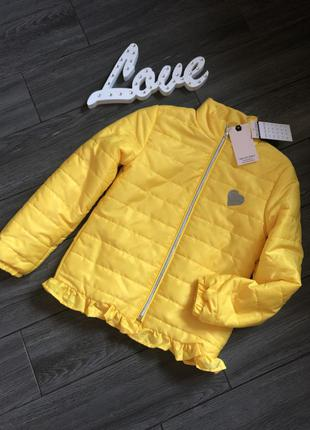 Легкая деми куртка на малышку 8-10л