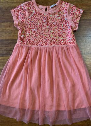 Нарядное, пышное платье в паетки на 4-5 лет